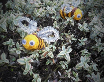 Cute hand knitted bees...catch them while you can!!!
