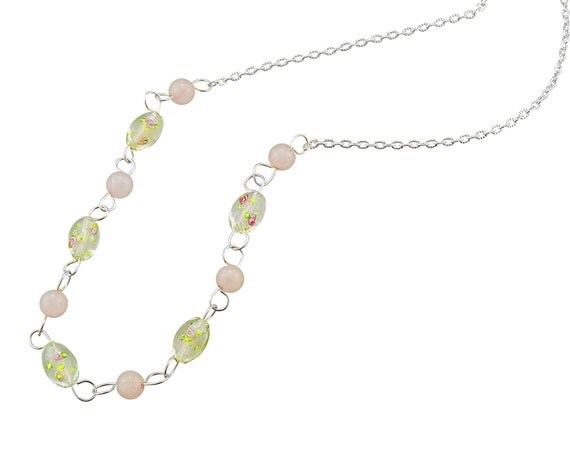 Flower murano beaded necklace in pinks