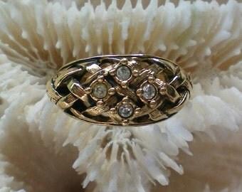 Avon Lattice Work Rhinestone Ring - 3856