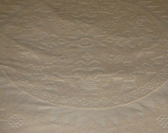 Vintage Montgomery Ward bedspread antique white The Patriot queen size chenille like nubby texture fringe cotton sun sunflower patter