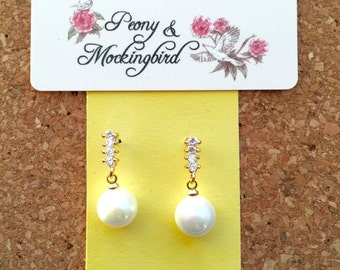 Pearl and crystal dangle/ drop earrings/ gold plated