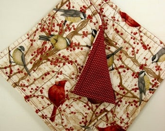 Set of 2 Cardinals Potholders, Cardinal Decor, Birds Kitchen Decor, Cardinal Hot Pads, Burgundy Cardinal Potholders, Fabric Pot Holders