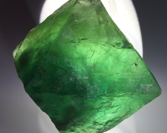 Natural Fluorescent Emerald Green Fluorite Octahedral Crystal