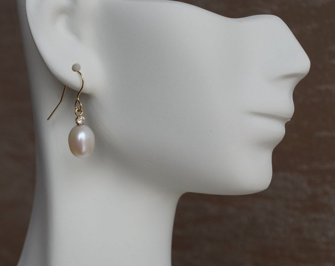 Art deco pearl earrings-Freshwater Pearl Earrings-Bridal Earrings-Pearl dangle earrings-Pearl drop earrings-Diamond & Pearl-anniversary gift