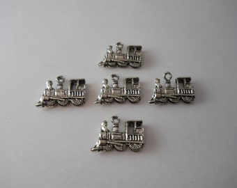 5 Train Charms, Antique Silver Charms, DIY Charms, Supplies, Metal Charms, Locomotive,Charms,Craft Supplies,Train,Jewelry Findings, Engine