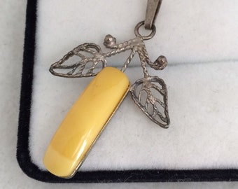 Stunnin Ussr Baltic Butterscotch Natural Amber Leaf Filagree Pendant Russian Marking 875 Sterling Silver
