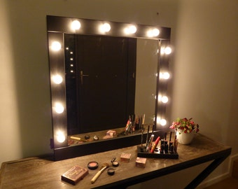 Vanity mirror with lights - makeup mirror wall hanging or stand alone - Hollywood style mirror for makeup addicts - miroire maquilleuse