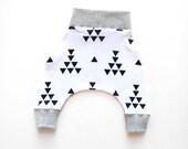 Infant Harem Pants- Baby Leggings- Baby Pants-Infant Pants- Infant Shorts- Baby Cloths- Newborn Pants- Black Triangle Arrows