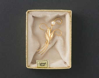 Vintage Cultured Pearl Brooch  Gold Tone Floral    Origional Box Reduced from 18.99