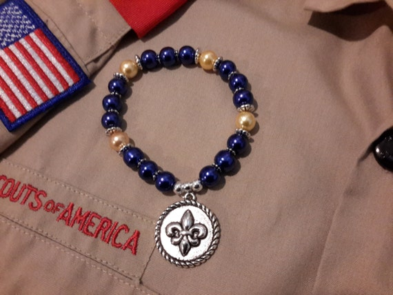 how to make a scout bracelet