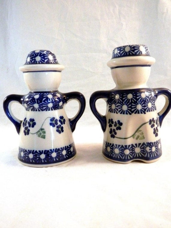 boleslawiec single girls A little about polish pottery: bolesławiec pottery is all hand-made and was created as a mainly functional product with history dating back to 1380 the clay is of extremely high quality.