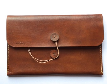 Handmade leather iPad mini sleeve Dutch Design - Bast46