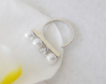 171. Pearl and Clear Stone Setting Ring,Silver color Frame, adjustable ring, simple pearl ring,open pearl ring woman ring, bridesmaid ring