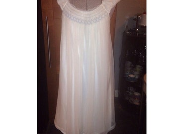 Vintage white 1950s nightie with smocking nightgown