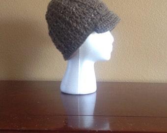 Ladies brimmed cap