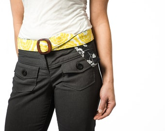 Reversible Women's Fabric Belt with Wooden Belt Buckle~ Women's Belt ~ Floral Belt ~ Yellow/Green Floral and Black Floral