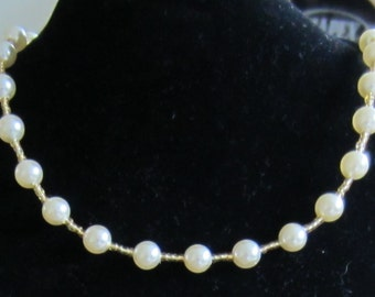 Cream Pearl and Gold Bead Necklace