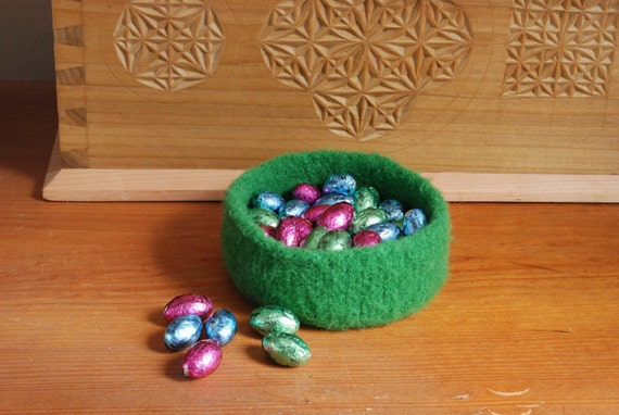 Spring green felted wool bowl, small Easter basket, spring decor,