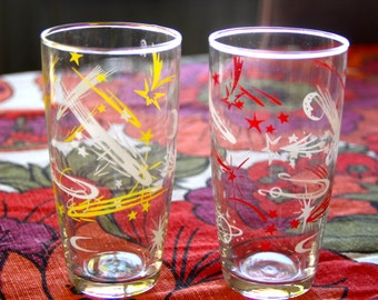 Vintage 1960s Set of 2 Collectible Atomic Red and Yellow Drinking Glasses Glassware