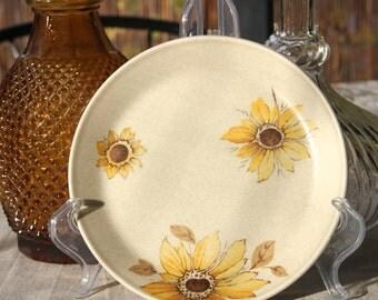 """Johnson of Australia """"Sunflower """" design Bread plate"""