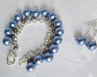 Bracelet & earrings of glass pearls