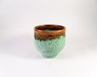 mint green porcelain tea bowl
