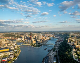 Wide angle aerial view of the Pittsburgh skyline - Metal Print
