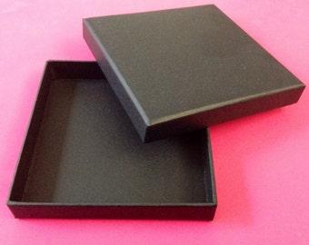 Black Bracelet Box 100mm x 100mm x 17mm