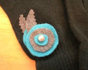 Embellished Knit Gloves
