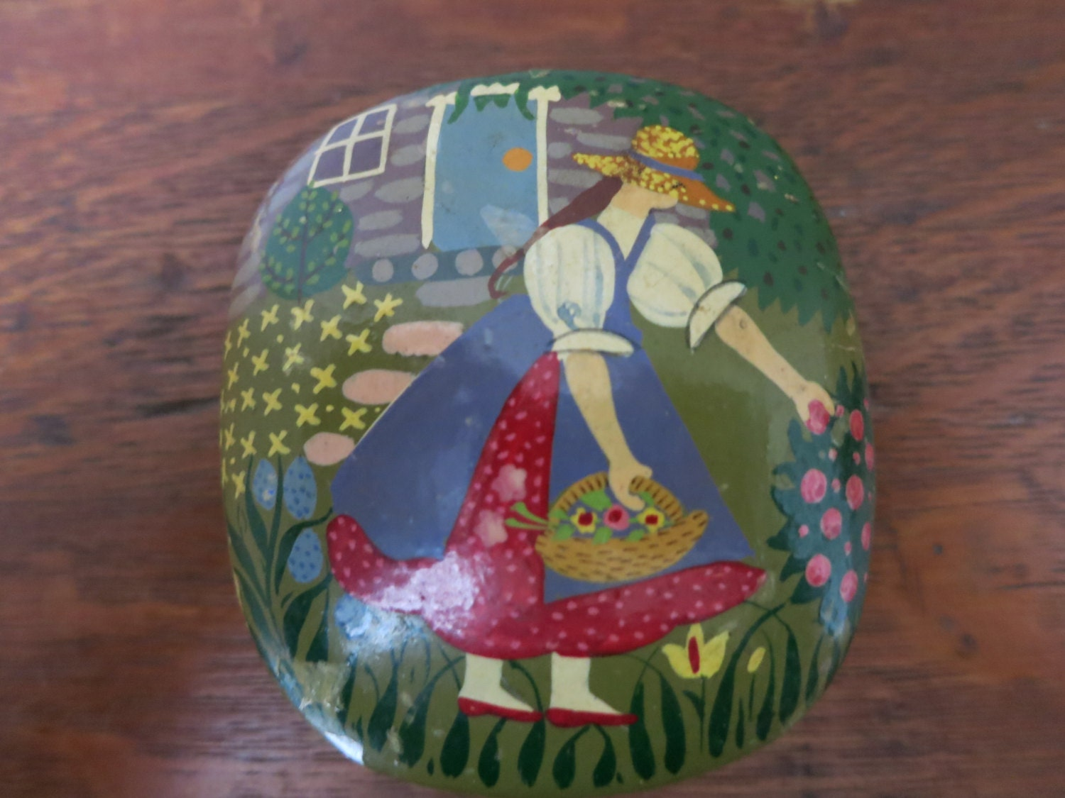 Vintage paper mache jewelry box made in india garden by for How to make paper mache jewelry