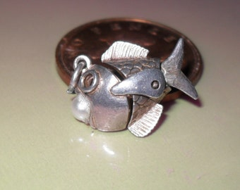 Vintage and Very Rare Articulated Moving fish with faux pearl sterling silver bracelet charm