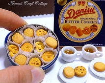 Dollhouse Miniature Food, Danish Butter Cookies, Biscuit, Doll Fake Food, Metal Blue Tin, High Tea Set, Blythe, Barbie, bjd, yosd, 1:6 scale