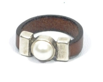 pearl ring for women, women leather ring, pearl jewelry, bridesmaid gift, gifts for mom, bridesmaid jewelry, silver ring, Gifts for women