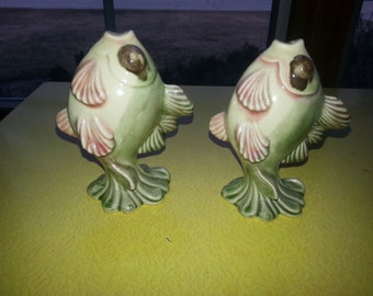 Vintage Ceramic Arts Studio B Harrington Madison WI Standing Fish Salt and Pepper Shakers