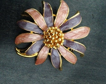 Beautiful Pink and Lavender Daisy Brooch
