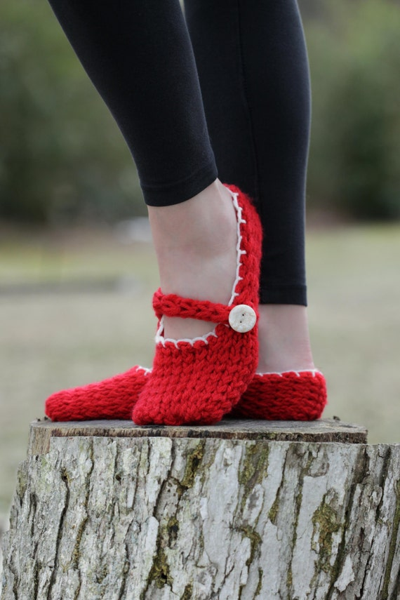 Loom Knitting Slippers : Loom knit mary jane style slippers pattern ladies