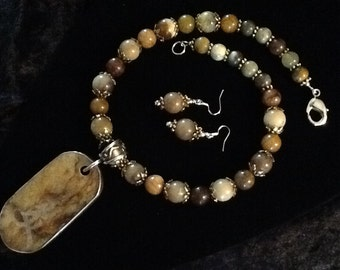 Asian Beauty Jade Necklace and Earring Set