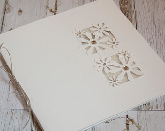 window daisy wedding invitation
