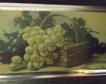 Vintage Tin with Apple & Grape