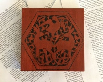 Wooden Art Home Accent 6x 6 Crimson Stained Hare And Falcon Showpiece With Historical Arabesque Motif Originating From Fatimid Egypt