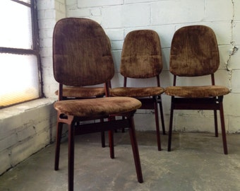 Set of four Pearsall/Kagan-style mid century Danish mod walnut dining chairs