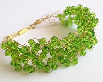 Green Crochet Wire Bracelet/ Jewelry Wire/ Crochet Bracelet/ Crochet Wire Bracelete/ Statement Bracelet/ Jewelry Beads Wire/ Beads Bracelet