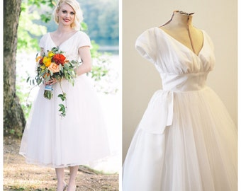 Vintage Bridal 1950's Tea Length Wedding Dress with Tulle Skirt