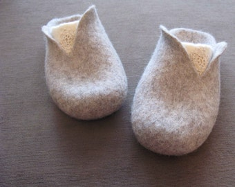 Gray felted women's slippers without heel