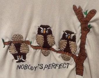 70s/80s embroidered owl tee. Size medium