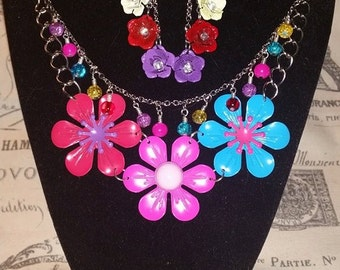 Flower Power! Necklace and Earrings!