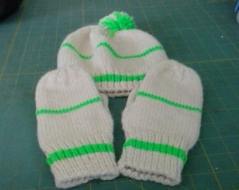 child's hat and mittens set