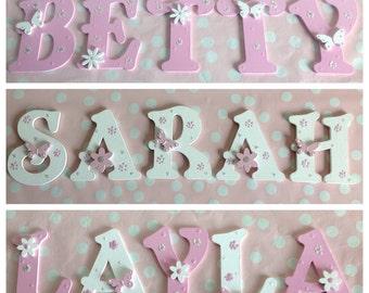 Panneaux Lettres Alphabets En Bois Pour Porte/Mur/Chambre D'enfants Fille Garçon Tout Nom/Couleur Décoration Thème Floral Rose Mauve Jaune..