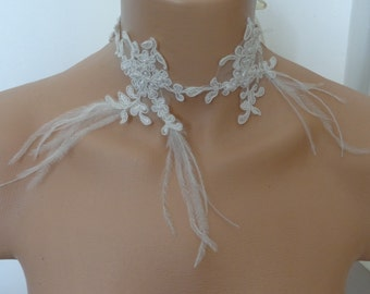 Necklace ivory lace lace set with pearls and feathers wedding