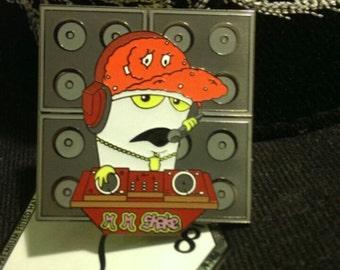 Mix Master Shake Hat Pin